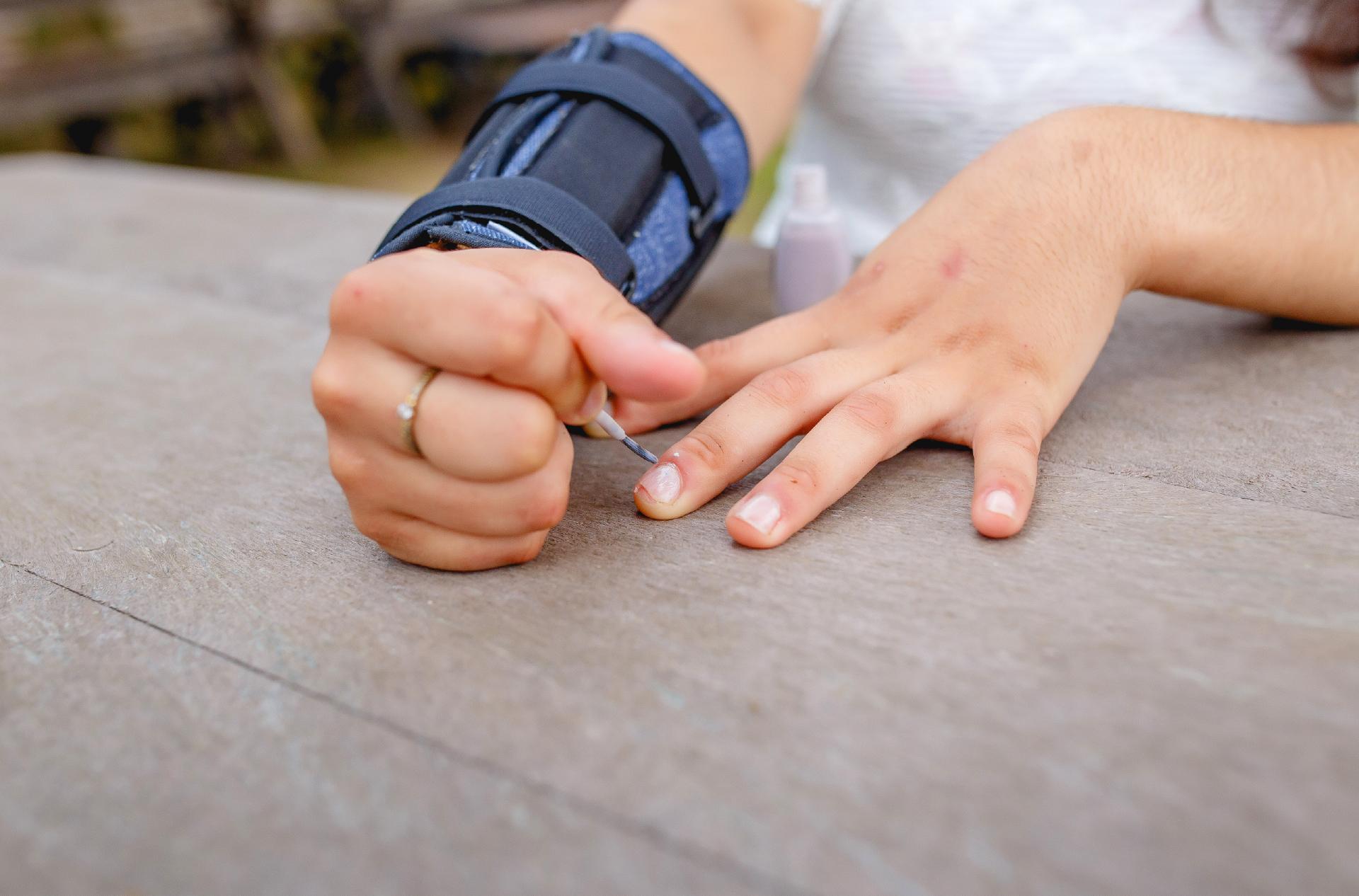 Pulseira de Peso auxilia pessoas com tremores em atividades da vida diária